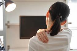 タオル一つで肩こり改善!40代からの肩こり改善法