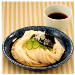 【食べて涼しく☆ヘルシー時短レシピ】黒酢だれそうめん[301kcal/15分]
