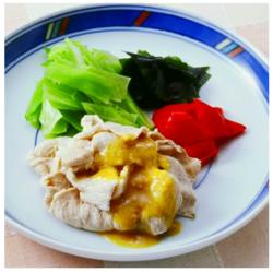 【食べて涼しく☆ヘルシー時短レシピ】ゆで豚肉のからし酢みそかけ[161kcal/10分]