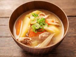 【ダイエットレシピまとめ】疲れた胃にも優しい♪栄養たっぷり「お味噌汁」レシピ