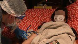 自宅療養者1日100人超を診る医師団の過酷な現場|120人の登録医師が24時間対応でもパンク寸前